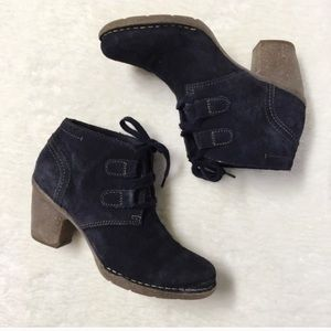 Clarks Suede Ankle Boots Navy Blue Size 8.5 Heels